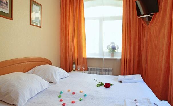 Отдых с завтраком для одного, двоих или компании в мини-отеле «На Советской»: комфортабельные номера, бесплатный Wi-Fi и все удобства! Скидка до 59%