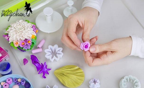 13 мастер-классов на выбор от художественной студии Magichands: живые цветы из глины, украшения ручной работы, эбру, правополушарное рисование и многое другое! Скидка до 83%