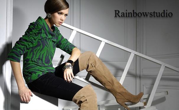 Скидка на Фотосессия для одного, двоих или компании до 4 человек с тематикой на выбор в студии Rainbowstudio: love story, цветочная, семейная и не только. Скидка до 95%