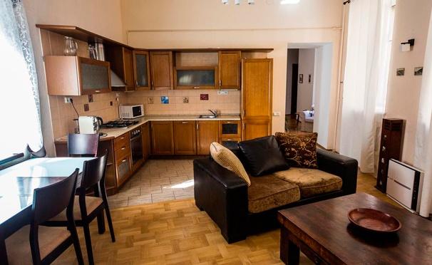 Скидка на Отдых для двоих в гостевом доме «Комфорт» в центре Санкт-Петербурга. Скидка до 63%